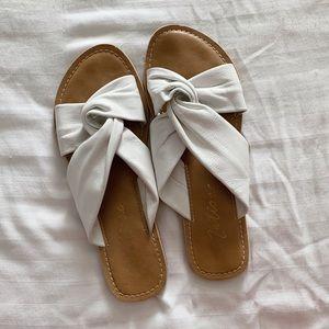 MATISSE white sandals